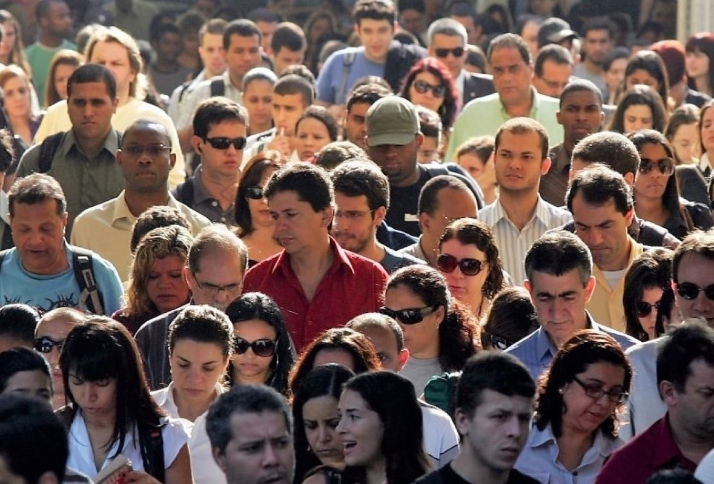 População Foto- Fábio Motta-AE estreita